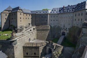 ケーニッヒシュタイン要塞(Festung Königstein)‐ヨーロッパ最大の山岳要塞