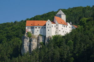 ロッククライミングが可能なプルン城(Burg Prunn)
